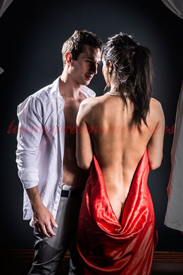 Pareja sensual    Leonor y Alex