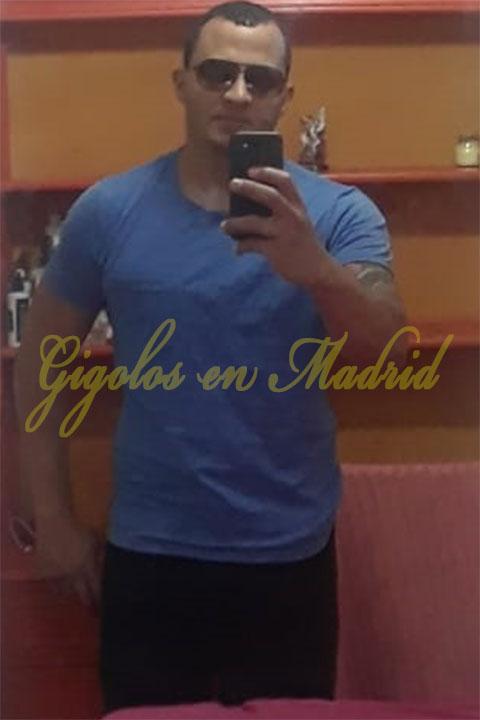 Un gigoló en Madrid latino con un cuerpo fibrado. Alex Durán
